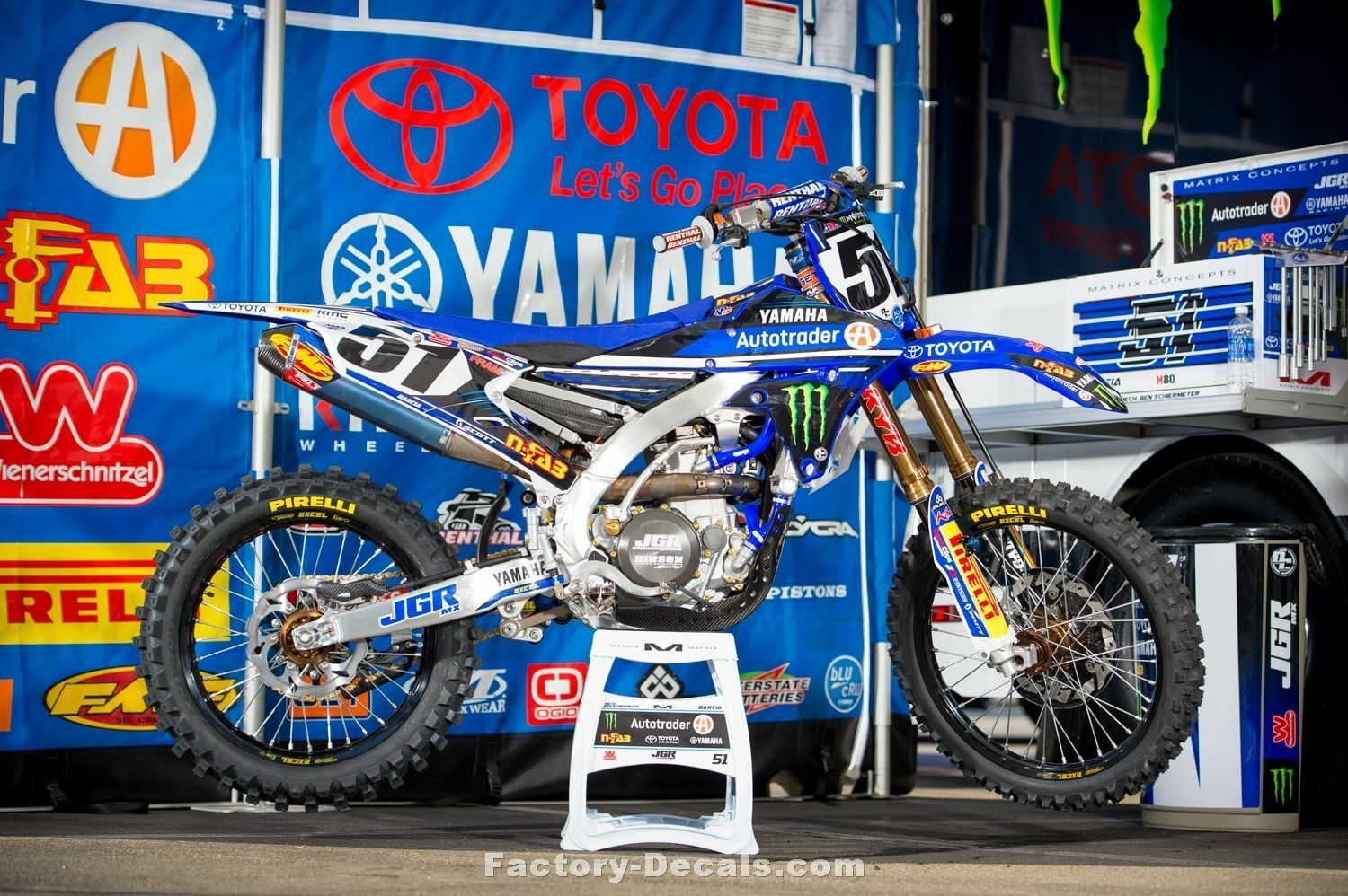 Yamaha-Graphics-Kit